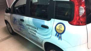 Applicazione pellicole stampate su carrozzeria auto