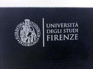 Stampa tesi copertina in similpelle blu e scritte in bianco
